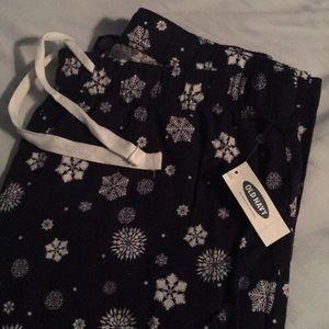 NWT Snowflake Pajama Pants